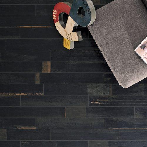 Pavimenti-effetto-legno_Ceramica-Fioranese_Painted_Wood_Pitch-Black3